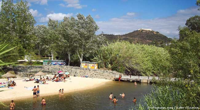 Praia fluvial de Avô