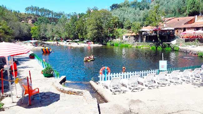 Praia fluvial de Côja